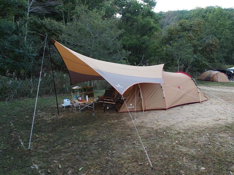 テントを張った様子